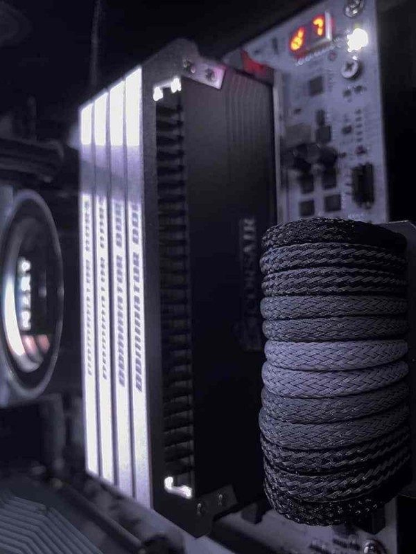How to Cable Manage a PC - Good Cable Management